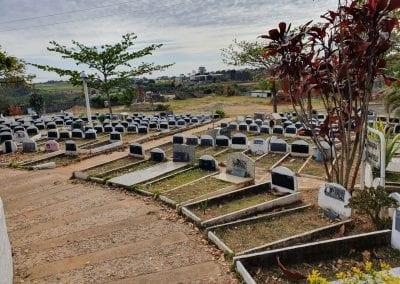 Cemiterio de Animais Botucatu Sepultamento de animais Quadra com lapide 17